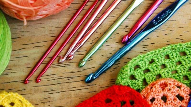 Nappes, napperons et accessoires au crochet