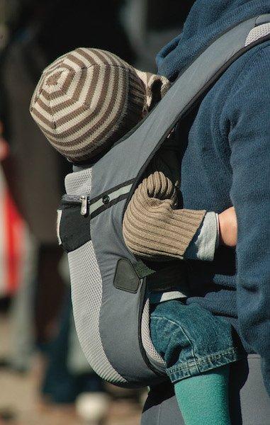 article promener bebe porte bebe