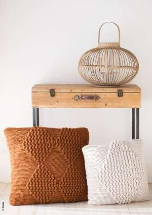 coussin motif géométrique tricoté laine